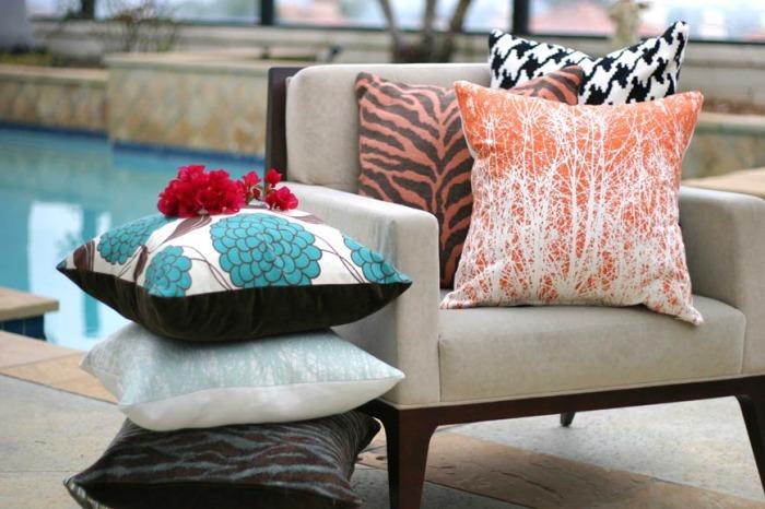 Оригинальные диванные подушки. Как подобрать?
