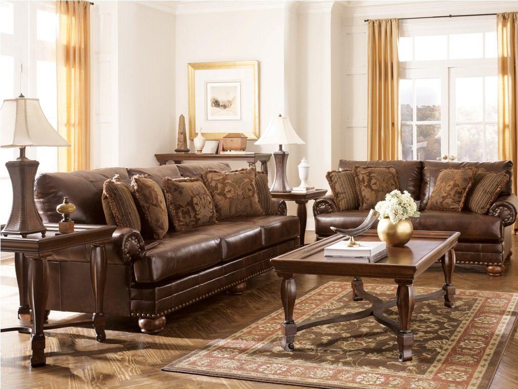 Кожаная гостиная - практичная мебель