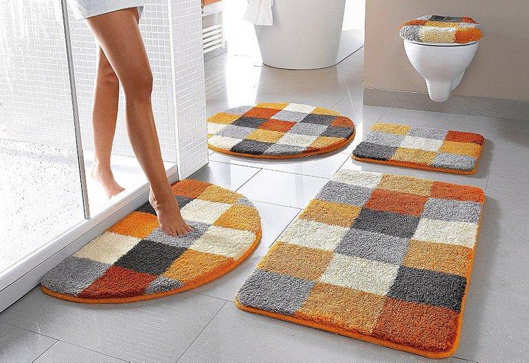 Какие бывают коврики для ванной комнаты?