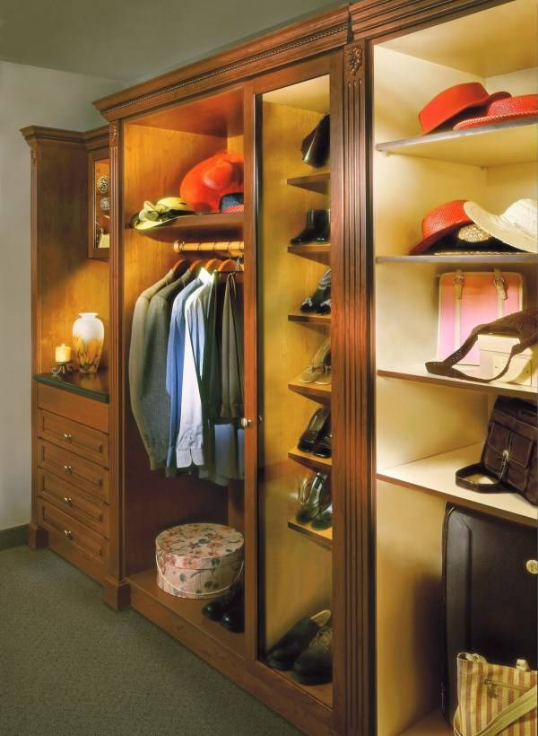 Подсветите шкаф правильно