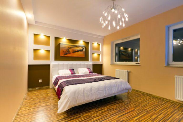 Организация интерьера спальной комнаты