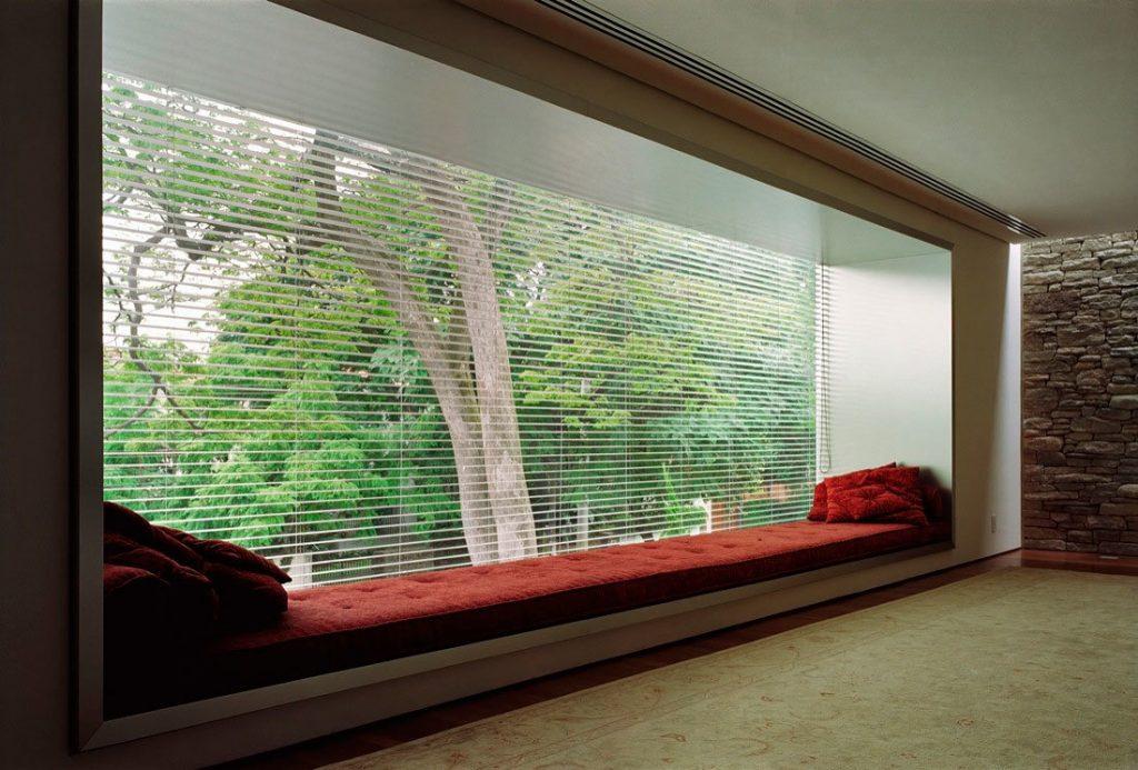 Оконные витрины закрытого типа