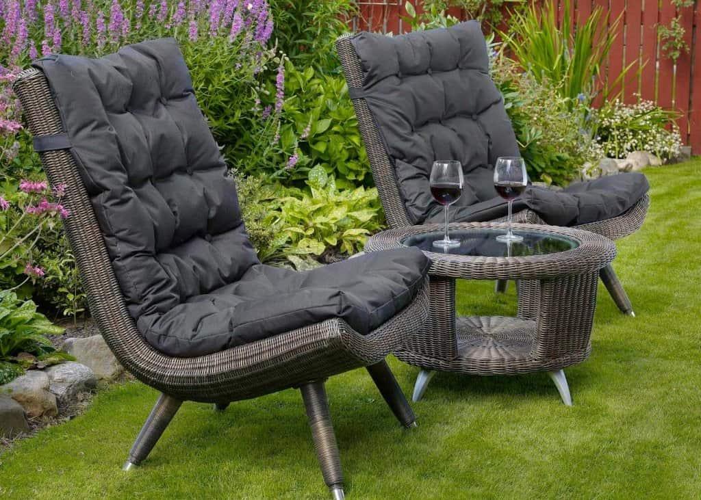 Плетеная мебель для загородного дома