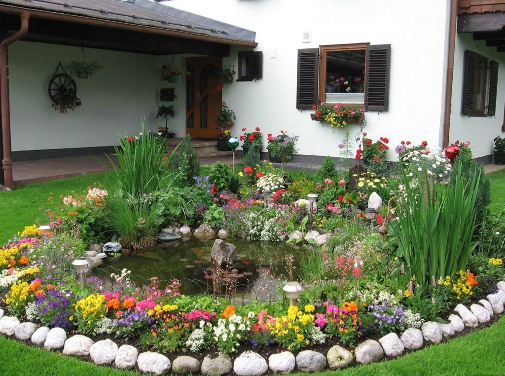 Обустраиваем цветник на загородном участке