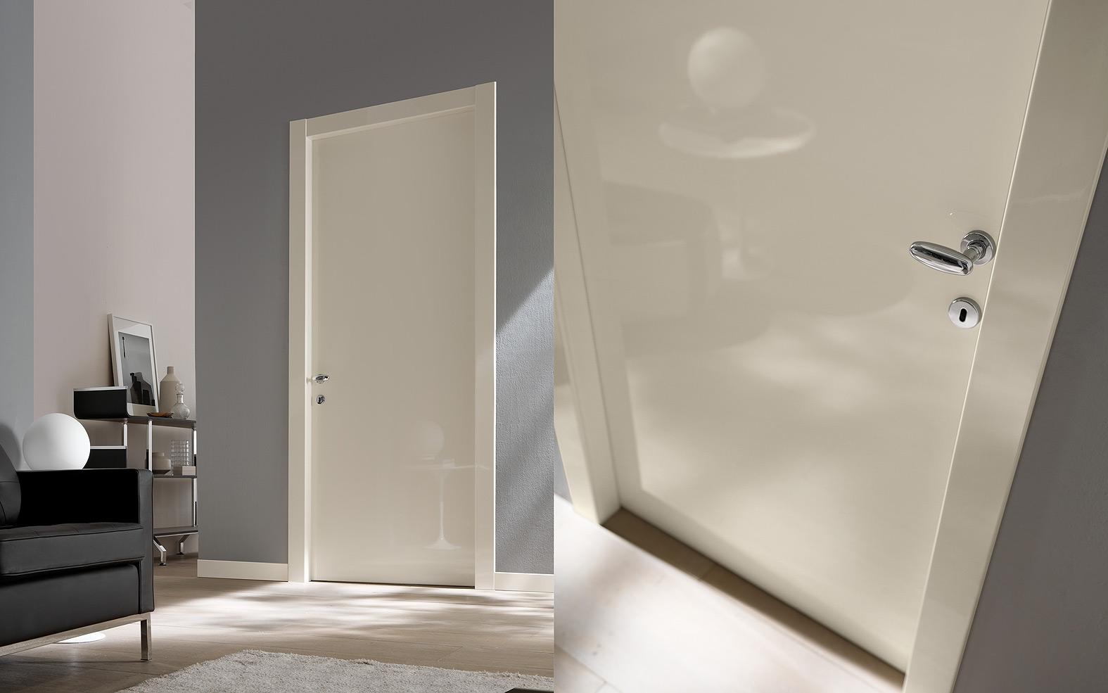 Внутренние глянцевые двери