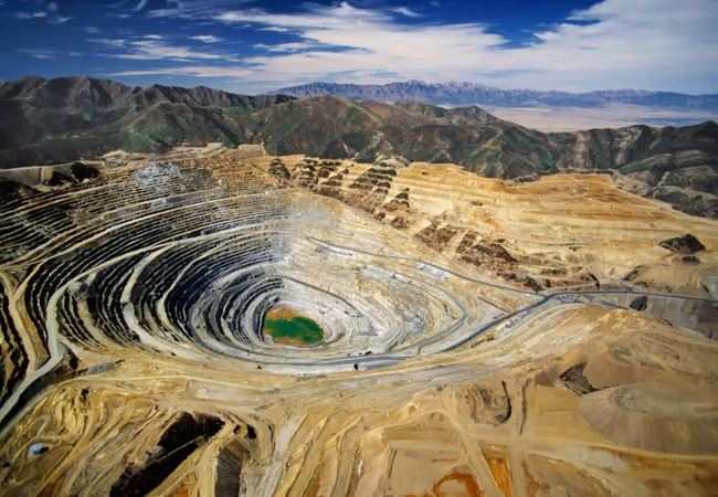 Полный цикл геологических и проектных работ от поисково-оценочной стадии до эксплуатации месторождения