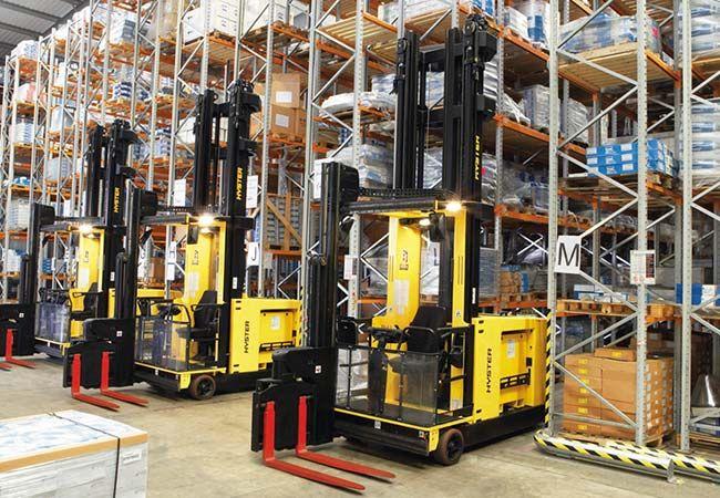 Важное складское оборудование и техника. Штабелеры