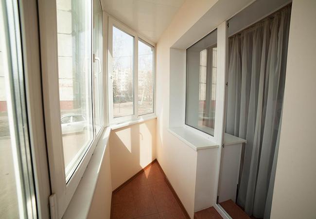 Ремонт и остекление балкона в Днепре по выгодной цене